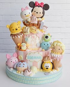 Tsum Tsum Disney Character Kids Cake #tsumtsumcake #tsumtsum #disneytsumtsum Mais