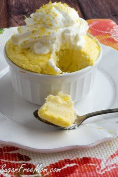 Sugar Free Lemon Mug Cake made low carb, gluten free, and a single serving for portion control! (dessert recipies for kids low carb) Low Carb Sweets, Low Carb Desserts, Healthy Sweets, Low Carb Recipes, Healthy Recipes, Healthy Foods, Mug Recipes, Lemon Recipes, Dessert Recipes