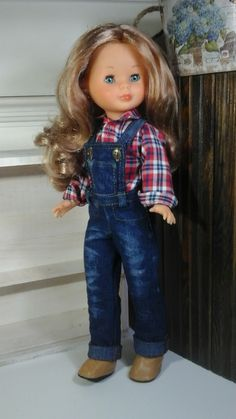Vestidos y zapatos para Nancy Vestidos Nancy, Pram Toys, Nancy Doll, America Girl, American Girl Crafts, Little Doll, Girl Doll Clothes, Dolls, Outfits