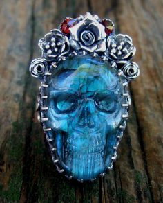 flashy Labradorite skull ring by Elizabeth Payne for Jewelry Arts Studio via Flickr.