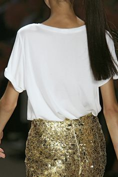 lOvE the sparkly gold skirt Sparkly Skirt, Gold Skirt, Sequin Skirt, Naeem Khan, Clothes Horse, My Wardrobe, Style Me, Dressing, Sequins