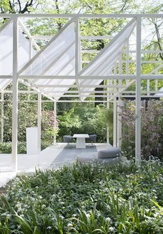 Laminam at the Botanic Garden of Brera - The attractive open-air installation 'Giardino Geometrico' @Laminam SpA