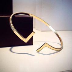 Looks like Gold: Τα καλύτερα χρυσά κοσμήματα που δεν κοστίζουν μια περιουσία