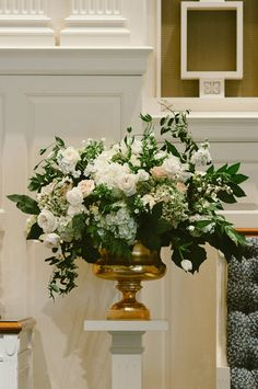 ceremony flowers @weddingchicks