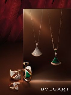 Discover exquisite and charming pieces of jewelry for timeless beauty. Known for shimmering diamonds and daring design, Bvlgari is recognized the world over. Jewelry Ads, Photo Jewelry, Jewelry Branding, Luxury Jewelry, Jewelery, Jewelry Design, Fashion Jewelry, Jewelry Banner, Jewelry Editorial