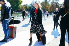Нью-йоркский аналитик трендов и fashion-консультант Нина Стотлер рассказала Vogue UA о новых streetstyle-тенденциях, главной из которых считает индивидуализм.