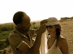 ¡Lección de cómo hacerte un turbante!