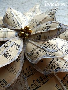 Music Sheet Poinsettia Tutorial by Todolwen on Etsy Christmas To Do List, Christmas Makes, Christmas Crafts For Kids, Christmas Art, Christmas Projects, Christmas Tree Ornaments, Christmas Ideas, Christmas Decorations, Holiday Ideas