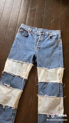 Bleaching Jeans, Diy Clothes Design, Kleidung Design, Diy Fashion Hacks, Tie Dye Jeans, Diy Jeans, Painted Clothes, Clothing Hacks, Teen Fashion Outfits
