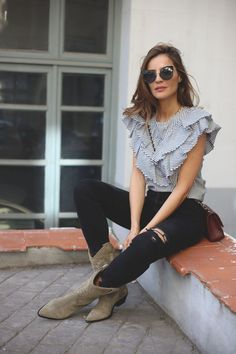 striped shirt looks - Lady Addict Stylish Summer Outfits, Casual Outfits, Cute Outfits, Outfits With Striped Shirts, Look Fashion, Fashion Outfits, Expensive Clothes, Looks Chic, Colorful Fashion
