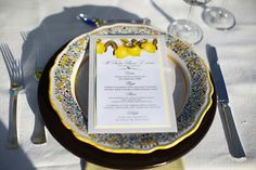 Love that the yellow lemons on the menu match the colors of the traditional Amalfi ceramic
