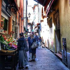 Bologna, Via Pescherie Vecchie - Instagram by michyzen