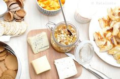 Patalintu: Pähkinäinen hillo glögikutsujen juustotarjottimell...