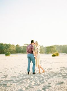 Picnic on the Beach Engagement Session | Wedding Sparrow | Hanke Arkenbout Photography