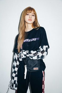 See new photos and videos of BLACKPINK Lisa for X-girl Japan x NONAGON collaboration collection, available on September 2018 Kim Jennie, Jenny Kim, Blackpink Lisa, Blackpink Fashion, Korean Fashion, Lisa Blackpink Wallpaper, Black Pink, Blackpink Photos, Kim Jisoo