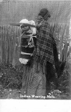 Ojibwa women and child – 1915
