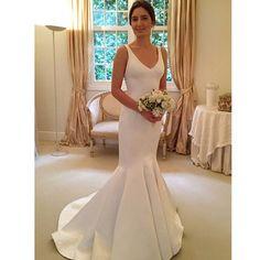 Wedding dress ✨ #wedding #weddingparty #party #weddingday #weddingdress #dress #longdress #bridesdress #bride #casamento #festadecasamento #festa #vestido #vestidodecasamento #vestidodenoiva #noiva #detalhes #detalhesdanoiva