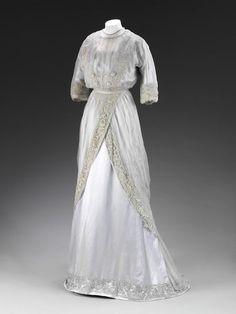 1909, England - Dress by Pickett - Silk chiffon, silk, embroidered lace