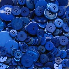 I buttons there so buttony and blue! Im Blue, Deep Blue, Blue And White, Neon Azul, Image Bleu, Home Bild, Behind Blue Eyes, Everything Is Blue, Blue Bayou