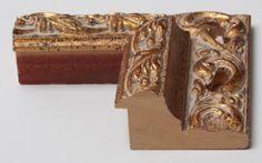 Cornice in legno su misura con lavorazione barocca - Vendita cornici stile classico
