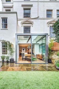 petite extension de maison en verre