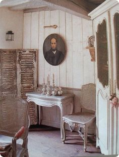 Apple Pie and Shabby Style: A chic Christmas....could do without the painting of that man though