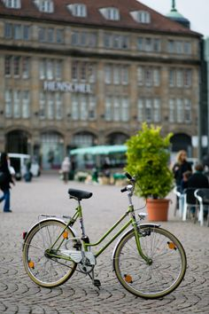 Bicycle in Darmstadt Germany | photography by http://emilia-jane.com/