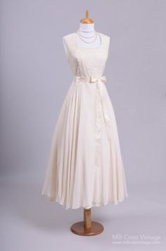 1960 Champagne Lace Vintage Party Wedding Dress