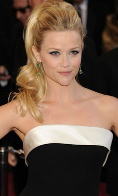 Reese Witherspoon's Retro Ponytail Was One Of Our Fave Oscars Looks, 2011