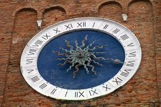 Sottomarina Chioggia Italien Clock, Wall, Home Decor, Italy, Homemade Home Decor, Decoration Home, Walls, Home Decoration, The Hours