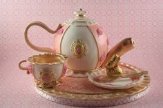 Teapot and cups By sanlin on CakeCentral.com cake