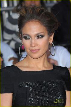 Jennifer Lopez I need these earrings