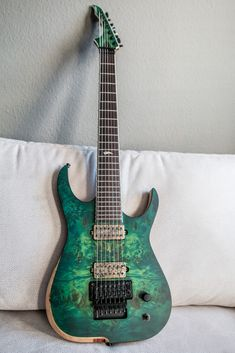 Skervesen Raptor 7 String Build - Page 3 - SevenString.org Djent Guitar, Guitar Gifts, Guitar Body, Guitar Pedals, Cool Guitar, Jackson Guitars, Guitar Painting, Pedalboard, Guitar Collection