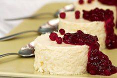 Kylmä riisivanukas, eli Viktorian kiisseli – Hellapoliisi Coconut Fried Rice, Fun Desserts, Dessert Recipes, Dessert Ideas, 5 Ingredient Desserts, Pastry Cake, Food Humor, Something Sweet, Healthy Baking
