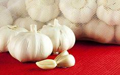 Κιρσοί: αντιμετωπίστε τους με σπιτικά γιατροσόφια | clickatlife.gr Garlic, Vegetables, Health, Food, Mary, Carving, Health Care, Essen, Wood Carvings