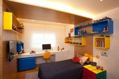 studio-novak quarto de menino colorido azul amarelo e vermelho