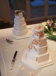 Stunning Eggless Wedding Cakes