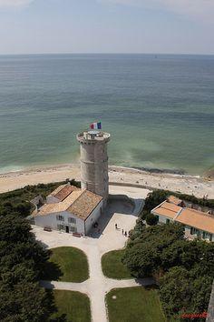 Île de Ré is an island off the west coast of France near La Rochelle Great Places, Beautiful Places, Beaux Villages, Birds Eye View, Live In The Now, France Travel, Beach Trip, Dream Vacations, West Coast