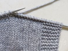 Attach new thread for knitting or crochet - Breimeisje.nl - Crochet knitting attach attach new thread step 7 - Knitting Stitches, Knitting Patterns, Crochet Patterns, Crochet Video, Knit Or Crochet, Handmade Headbands, Handmade Crafts, Diy Crafts, Waffle Stitch