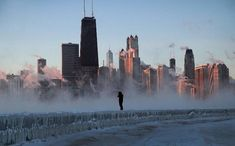 Image: Polar Vortex Brings Extreme Cold Temperatures To Chicago Lago Michigan, Time Stood Still, Chicago Photos, Homeless People, My Kind Of Town, Cool Photos, Amazing Photos, New York Skyline, Cold