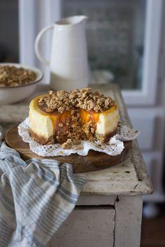 un pedacito de cielo: Cheesecake de caramelo salado Chesee Cake, Cupcake Cakes, Cheesecake Cake, Cheesecake Recipes, Mousse, Cake Shop, Winter Food, Delish, Bakery