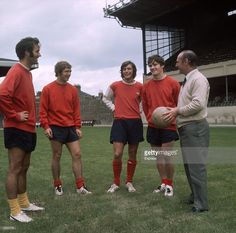 Arsenal Football Club manager Bertie Mee right with players George... News Photo | Getty Images
