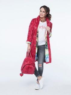 Abrigo de Cabrito y Mochila Fucsia. #fashion #furs #fashionblogger #moda #abrigo #coat #fucsia