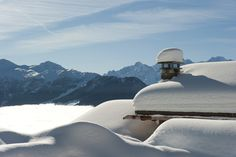 Chalet Sirocco in Verbier is a stunning property that sleeps eight . With spectacular spa and entertainment, this is one of the most luxurious chalets in Verbier. Luxury Ski Holidays, Ski Chalet, Steam Room, Switzerland, Skiing, Swimming Pools, Cinema, Mountains, Architecture
