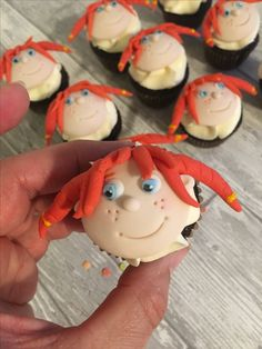Mini Pippi longstocking cupcakes Pippi Longstocking, Sugar And Spice, Mini Cupcakes, Spices, Tv, Desserts, Food, Tailgate Desserts, Spice