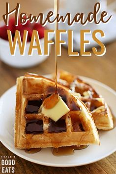Use this Fluffy Waffle Recipe to make thick, fluffy homemade waffles without the hassle of beating egg whites! Make a double-batch and freeze for later. Waffle Recipes, Brunch Recipes, Breakfast Recipes, Dessert Recipes, Breakfast Waffles, Breakfast Ideas, Brunch Foods, Mexican Breakfast, Pancake Recipes