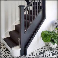 Had to share this stunning shot from this morning! Totally sold on this dark staircase, runner and ideas narrow hallway ideas ideas diy hallway ideas ideas rustic Dark Staircase, Staircase Runner, Staircase Design, Narrow Hallway Decorating, Hallway Ideas Entrance Narrow, Entrance Hall, House Stairs, Carpet Stairs, Tiled Hallway