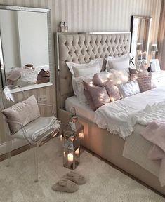Pin by aixa medina on master bedrooms ideas in 2019 fancy bedroom, bedroom decor Fancy Bedroom, Glam Bedroom, Master Bedroom Design, Cozy Bedroom, Home Decor Bedroom, Bedroom Wall, Bedroom Ideas, Master Bedrooms, Bedroom Mirrors