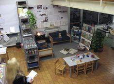 Escola Villeta - Reggio Emilia, Italy ≈≈ For more inspiring spaces: http://pinterest.com/kinderooacademy/provocations-inspiring-classrooms/