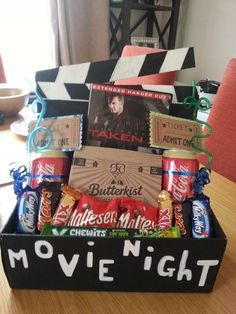 Fun family date night idea- painted shoebox, funky straws, mini chocolate bars a. - Fun family date night idea- painted shoebox, funky straws, mini chocolate bars and popcorn add a re - Diy Birthday, Birthday Presents, Craft Gifts, Diy Gifts, Diy Cadeau Noel, Raffle Baskets, Themed Gift Baskets, Creative Gifts, Unique Gifts